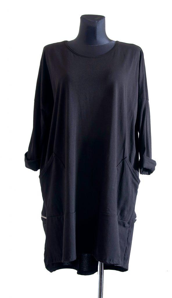 Primer dolge črne obleke z zadrgo na zadnji strani