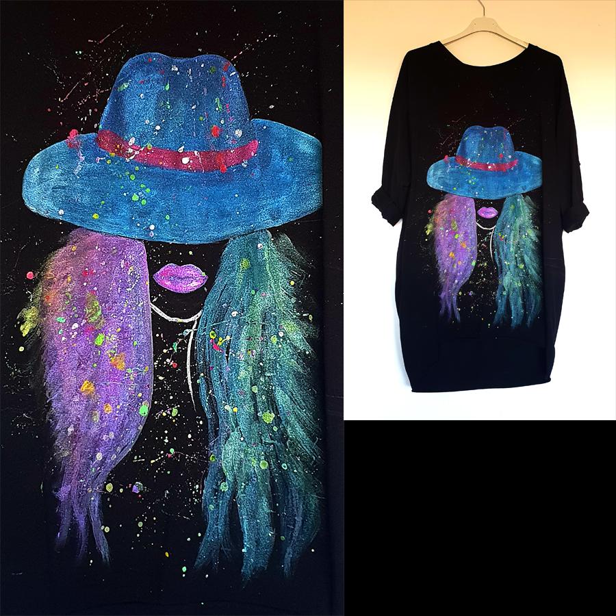 Dama s klobukom na črni obleki
