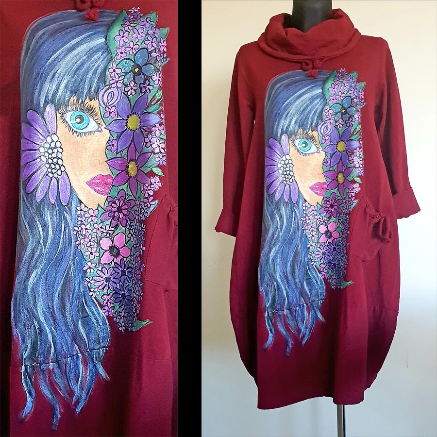 Dama z rožami na rdeči obleki
