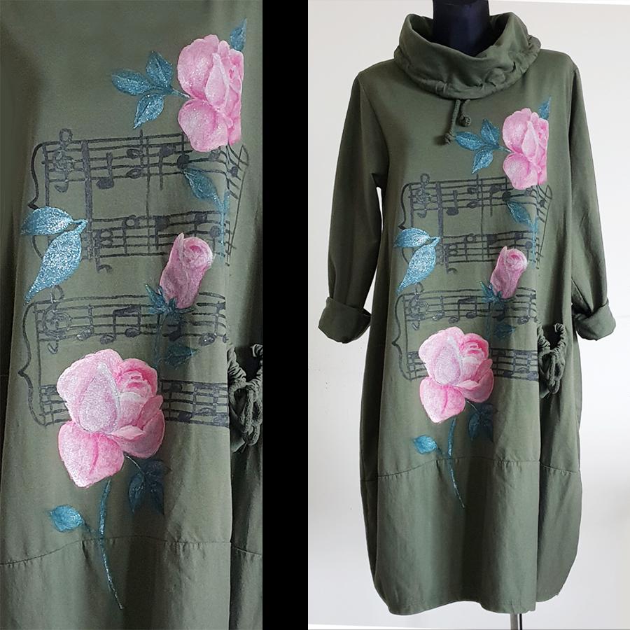 Glasbeni motiv z roza vrtnicami in notami v ozadju.