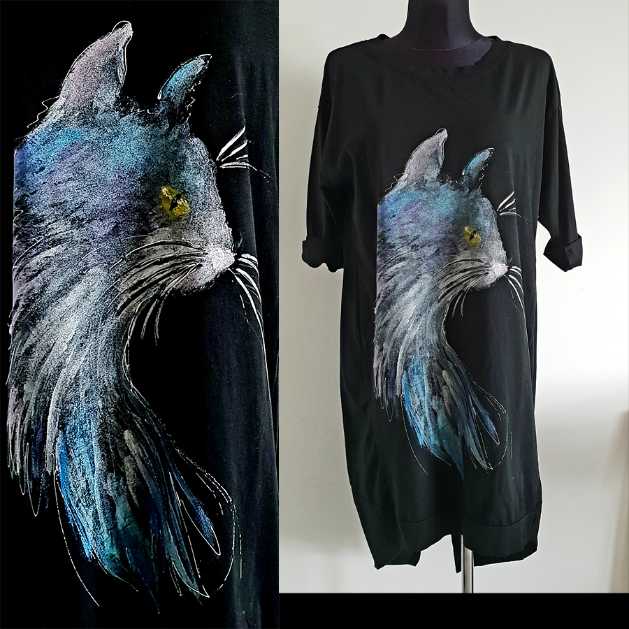 Motivin poslikave muce 5 je umetniška poslikava profila mačje glave.
